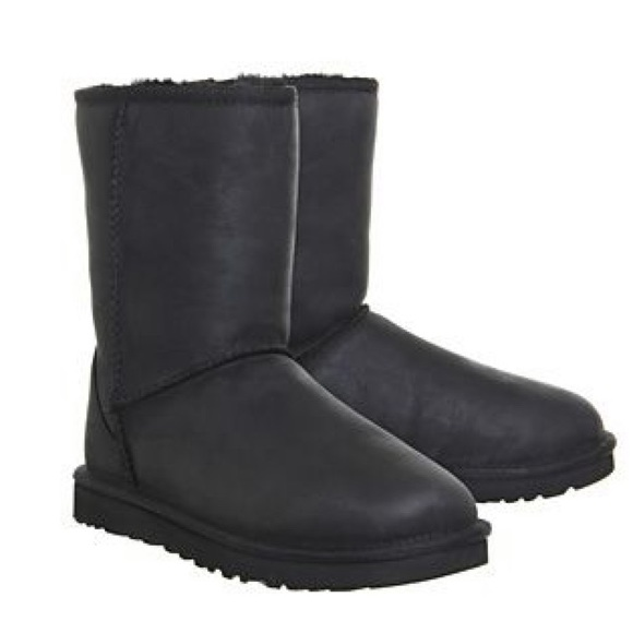 UGG Shoes   Water Resistant Ugg Classic